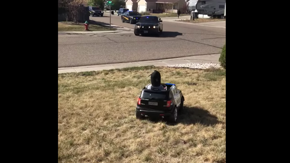 Police Give 3 Year Old Boy Birthday Surprise As He Sits In Beloved Toy Police Car Kdnl